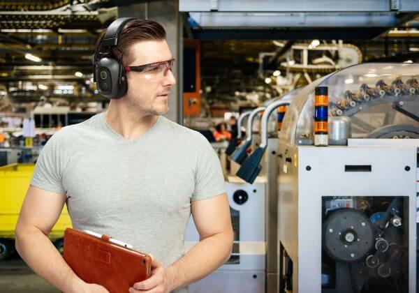 Augenschutz und weitere PSA, wie z.B. Gehörschutz kombinieren